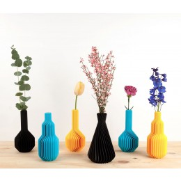 This Ridged Vase has a unique shape that can only be manufactured with 3D print technique
