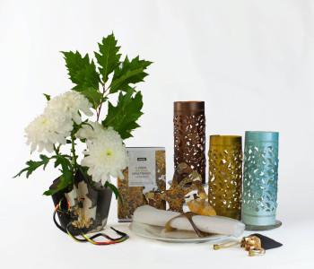 Wintersfeer cadeaupakket met design waxinehouders, vaasje en servetringen