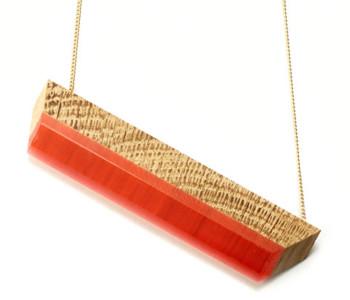 Vanishing Point Ketting eiken en rood van Turina Sieraden bij shop.holland.com