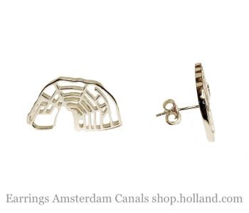 Oorstekers Amsterdamse grachten in zilver koop je bij shop.holland.com - leuk cadeau