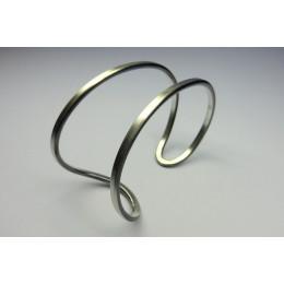 Massief zilveren armbanden van het merk Döpp sieraden; strak Dutch design
